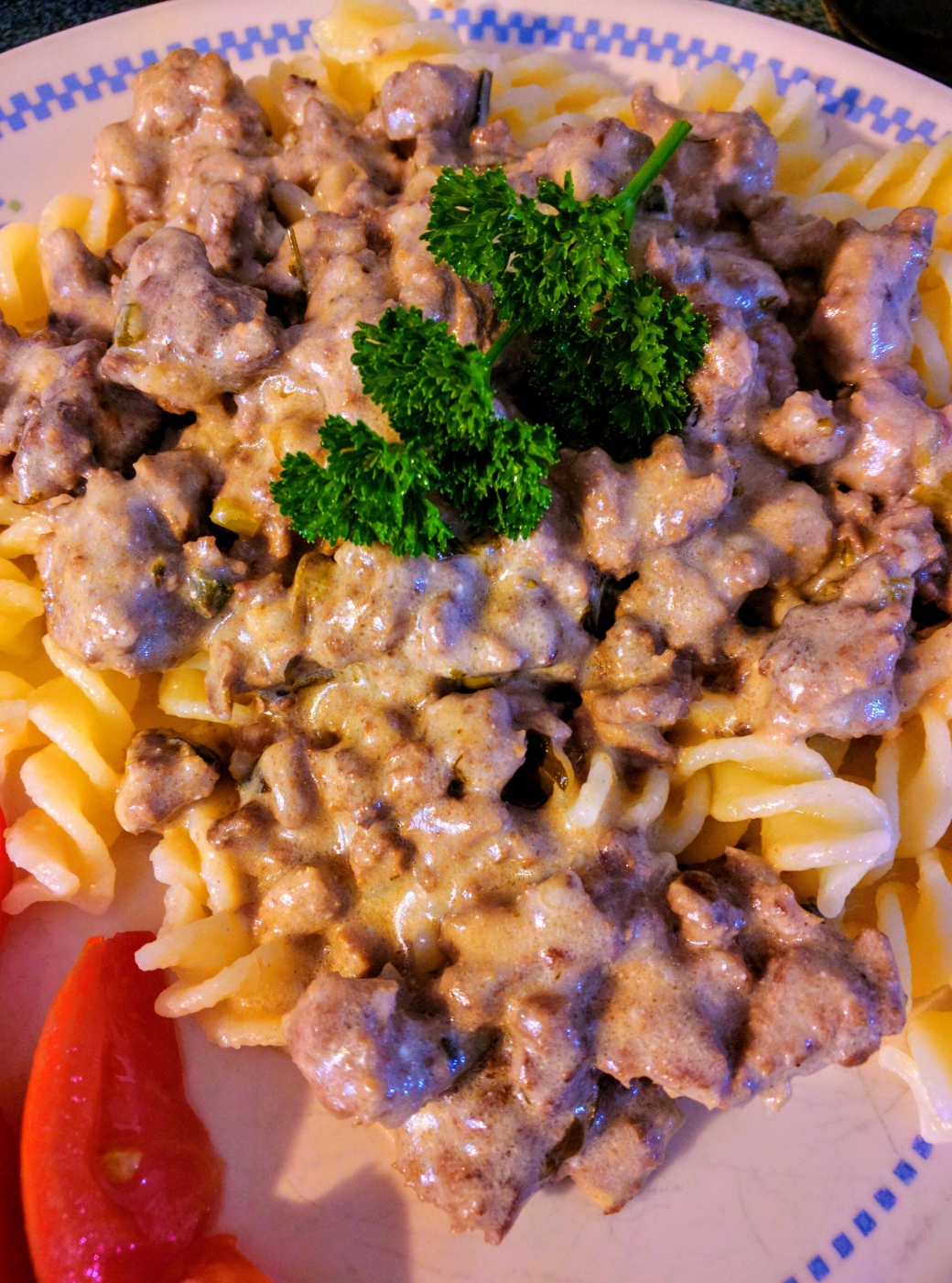 Beef with sourcream herb sauce