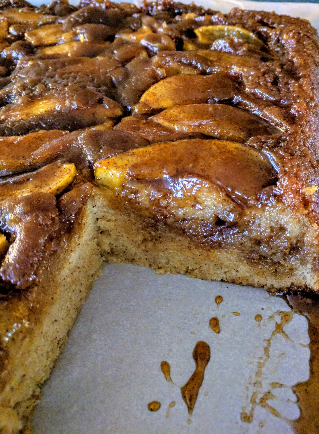 Fresh Apple Upside down Cake